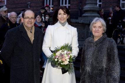 © Foto: Lars H. Laursen Begivenhed: Kronprinsesse Mary uddeler priser i forbindelse med foreningen Sjældne Diagnoser. Sted: Rådhuspladsen, København Dato: 29.02.2008 Journalist: